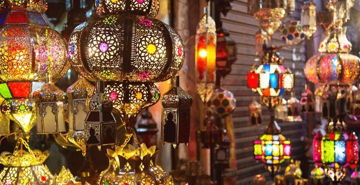 Marokko ist aber auch ein Land der unzähligen Farben. Besonders auf den Märkten entdecken Sie die Vielfalt. Bild: Marko Roth Productions