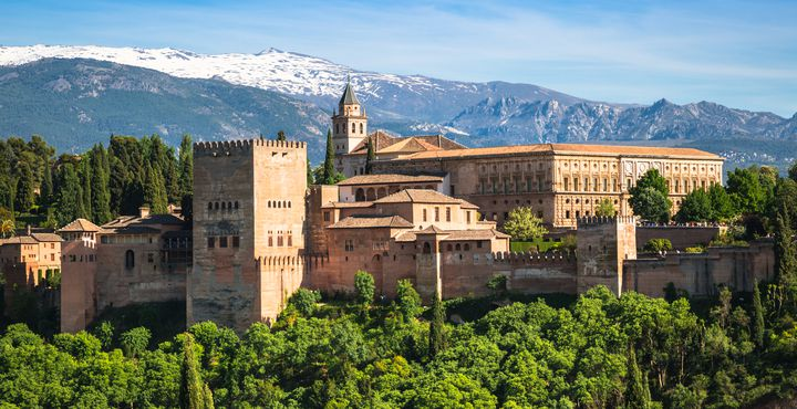 Die Alhambra in Granada ist das wohl beeindruckendste und bekannteste Monument der maurischen Baukultur und der islamischen Kunst.