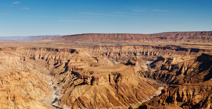 Der Fish River Canyon besticht mit unendlichen Weiten und atemberaubenden Landschaften.