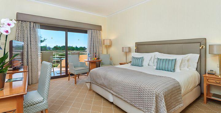 Die Zimmer bieten Ihnen ausreichend Platz und komfortable Betten.
