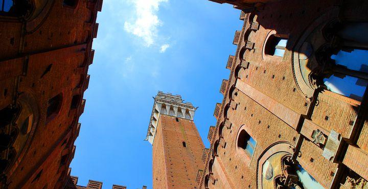 Der Turm Torre del Mangia ist eine der beliebtesten Sehenswürdigkeiten der Stadt.