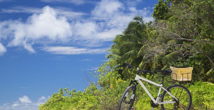 Mit dem Fahrrad auf Entdeckungstour durch die kleinste bewohnte Insel der Seychellen - La Digue.