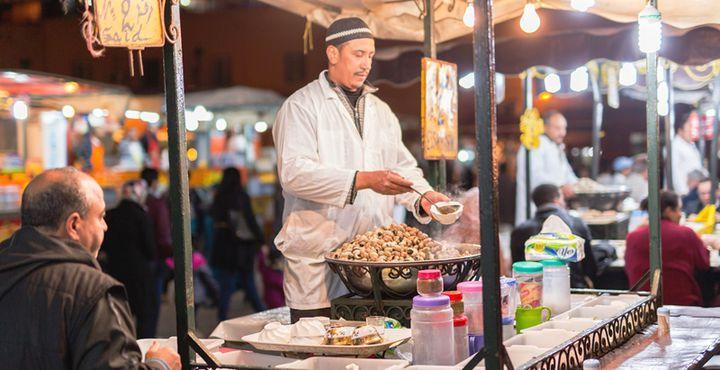 Auch kulinarisch hat der größte Markt einiges zu bieten. Bild: Marko Roth Productions