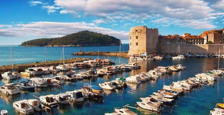 Auch der alte Hafen ist ein Magnet, der jährlich zahlreiche Besucher anzieht.