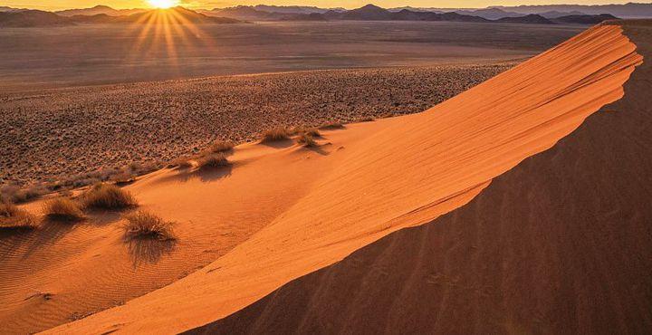 Kommen Sie mit uns zu den höchsten Dünen der Welt und bestaunen Sie die unvergleichliche Aussicht.