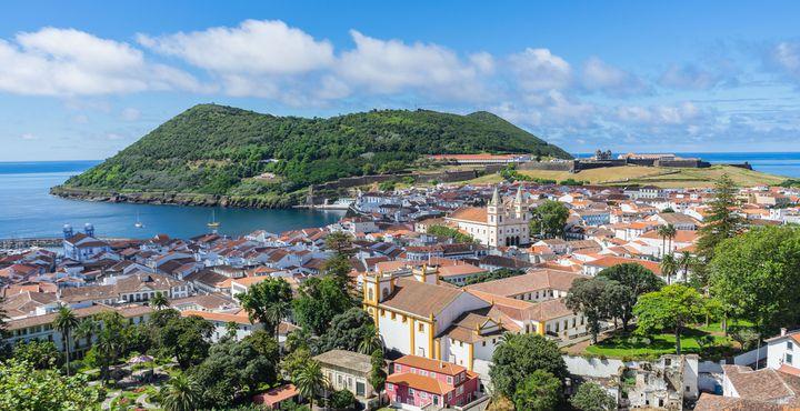 Der Hauptort der Insel Terceira, Angra de Heroismo, wird Sie mit ihrem Renaissance-Stil überraschen und in ihren Bann ziehen.