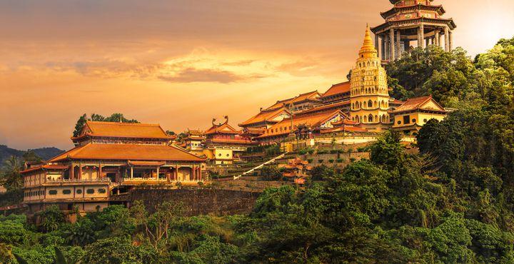 Der buddhistische Tempel gehört zu den größten und ältesten Tempel Südostasiens.