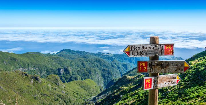 Was für eine Aussicht? Nur noch knapp ein Kilometer und Sie haben es bis zum Pico Ruivo geschafft.