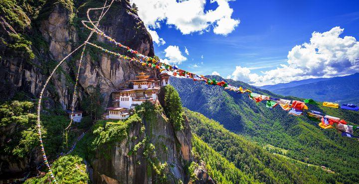 Herzlich willkommen im Königreich Bhutan. Der Besuch des Tigernests ist das Highlight einer jeden Reise.