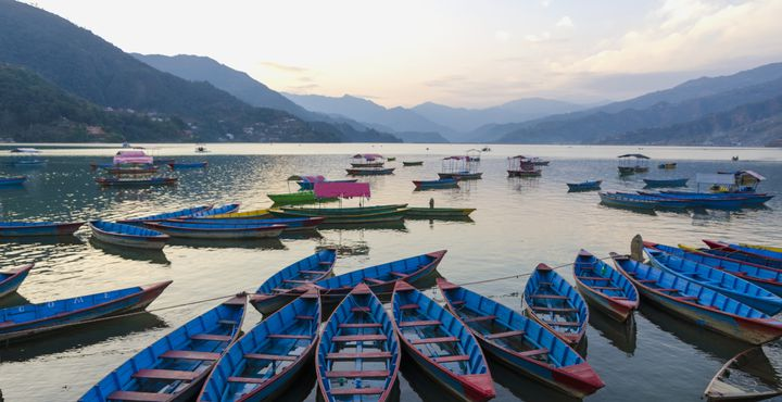 Bevor Ihre Trekking-Tour beginnt, verbringen Sie einen Tag in Nepals drittgrößter Stadt, Pokhara.