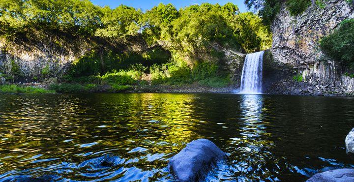 Spannende Wandertour in den Bergen um Cilaos und beim Canyoning den wilden Fluten der Bergflüsse ganz nah.