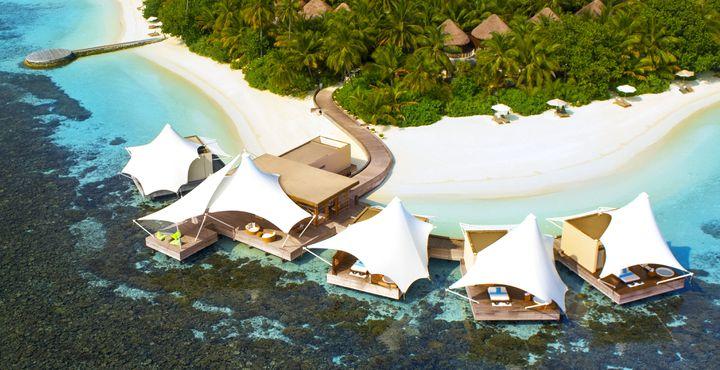 Der hauseigene Spa-Bereich errwartet Sie direkt über der kristallklaren Lagune und bietet wohltuende Körperbehandlungen.