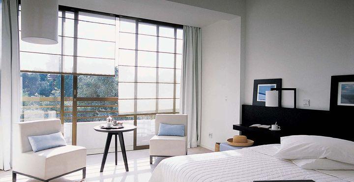 Die angenehm helle Gestaltung der Zimmer sorgt für einen guten Start in den Tag.