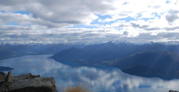 Der herrliche Lake Wakatipu liegt am Fuße der Remarkables. Bild: Tourism New Zealand