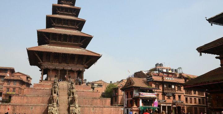 In Bhaktapur scheint die Zeit stehen geblieben zu sein. Eindrucksvolle Paläste bestimmen die einzigartige Atmosphäre.