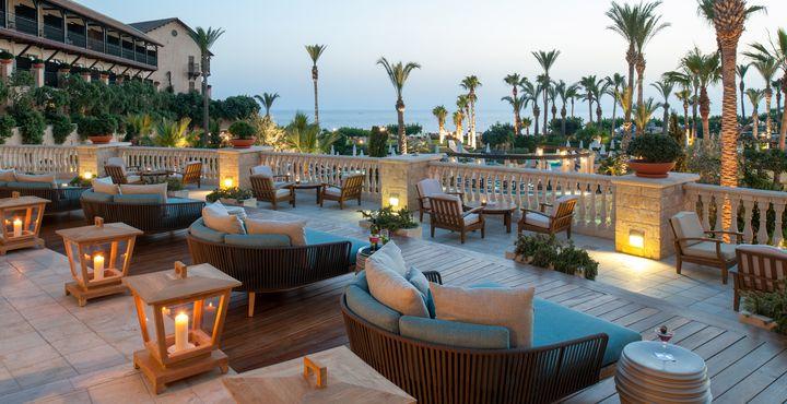 Auf der einladenden Terrasse können Sie in Ruhe den Tag ausklingen lassen.