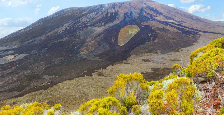 Vor etwa drei Millionen Jahren tauchte die Vulkaninsel La Réuion aus den Tiefen des Indischen Ozeans auf.